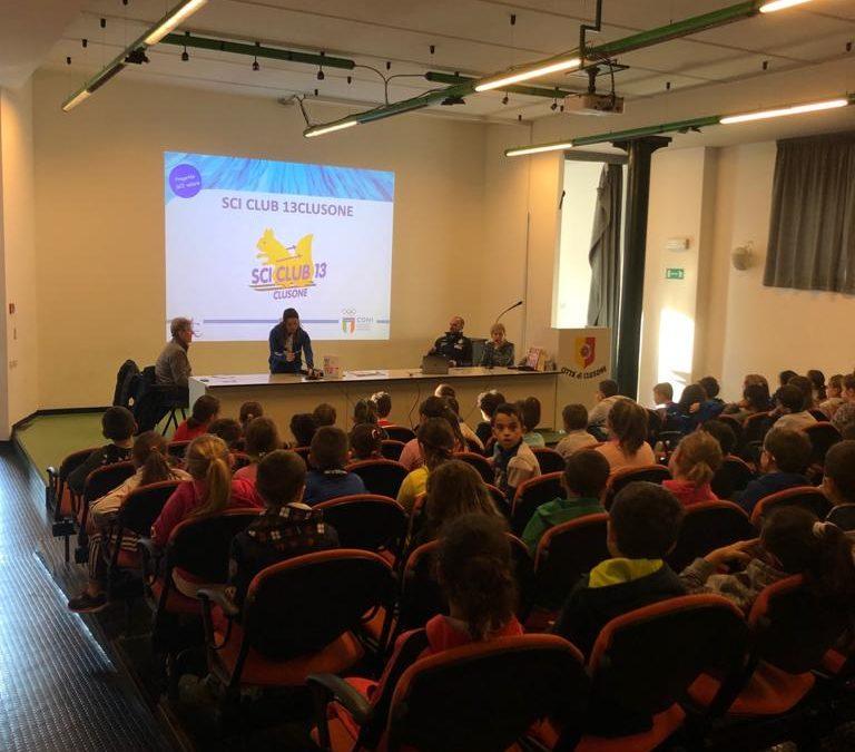 """""""SCIvolare"""": a Clusone 240 studenti coinvolti oggi nella giornata con Martina Bellini"""
