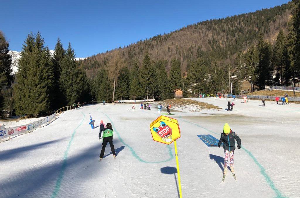 """""""SCIvolare"""" 100 studenti di Gromo e Valgoglio impegnati con la giornata sulla neve (fotogallery)"""